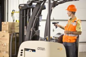 forklift operator scanning with mobile computer